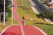 Vereadores indicam ciclovias e ciclofaixas na rua que dá acesso ao residencial Mario Raiter