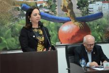 Parlamentares pedem implantação da Delegacia Especializada de Defesa da Mulher no município