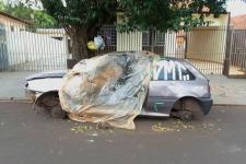 Vereador pede remoção de veículos abandonados em vias públicas